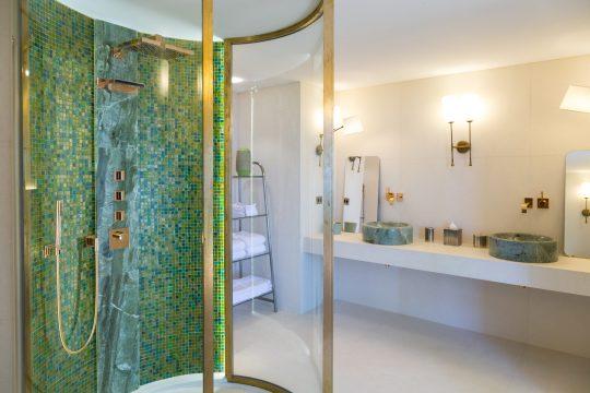 Bathroom - 775