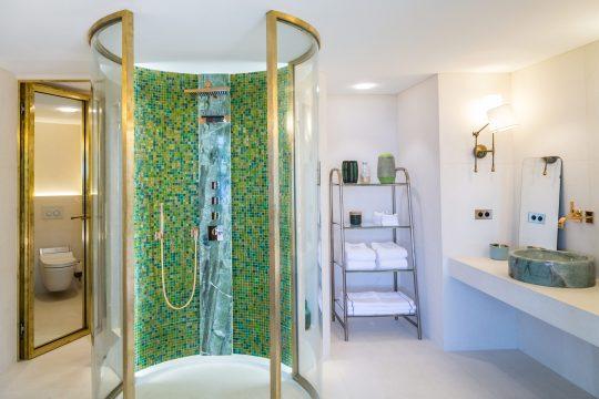Bathroom - 773